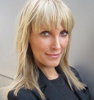 Amy K headshot