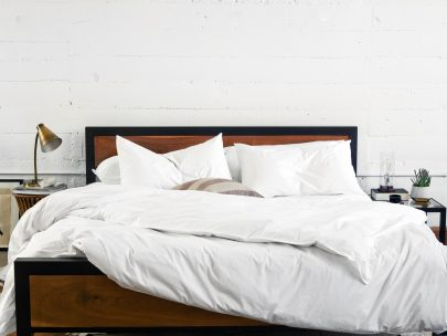 4 Reasons for Guys to Try White Bedding Today