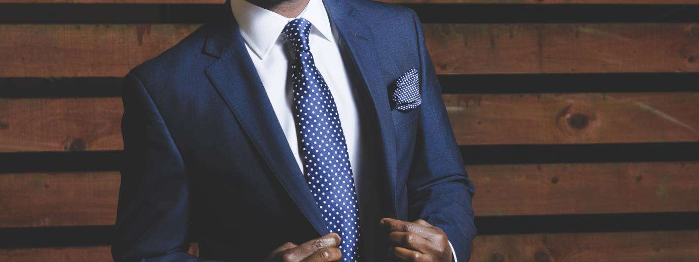 tips for men to look instantly more attractive, collar stays
