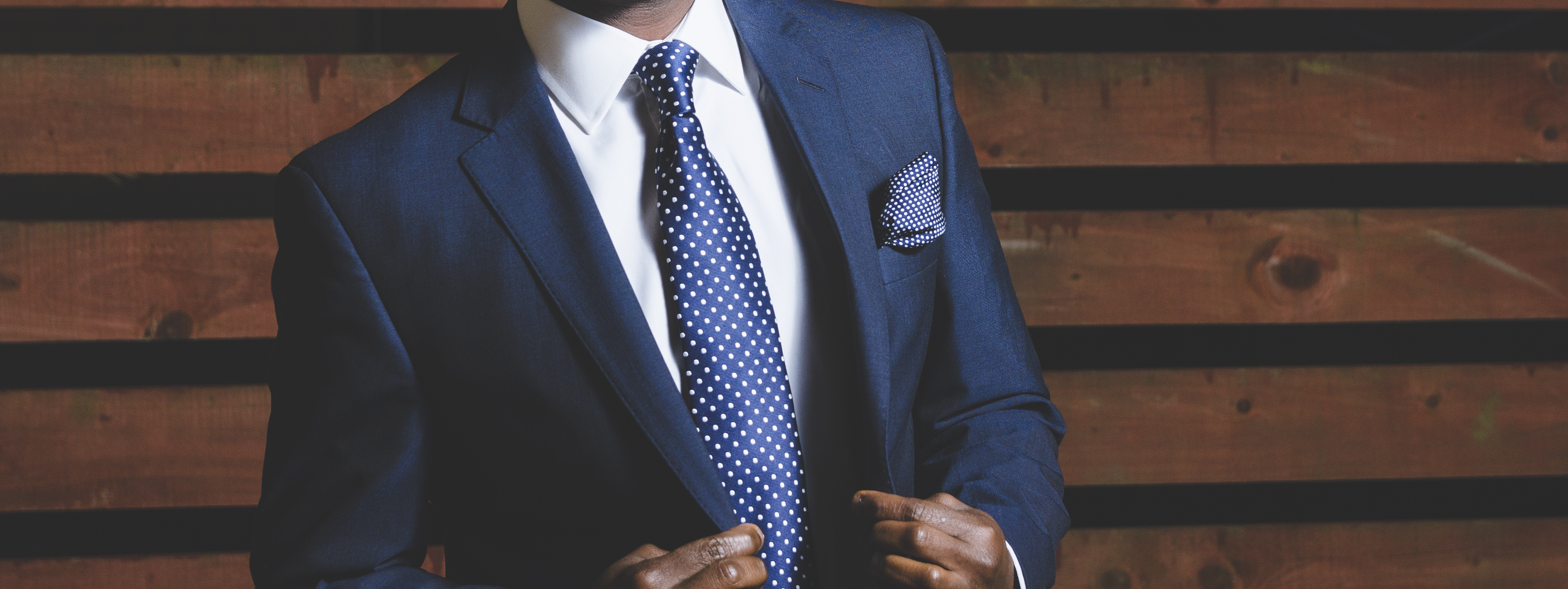 tips for men to look instantly more attractive, collar stays, be attractive to women