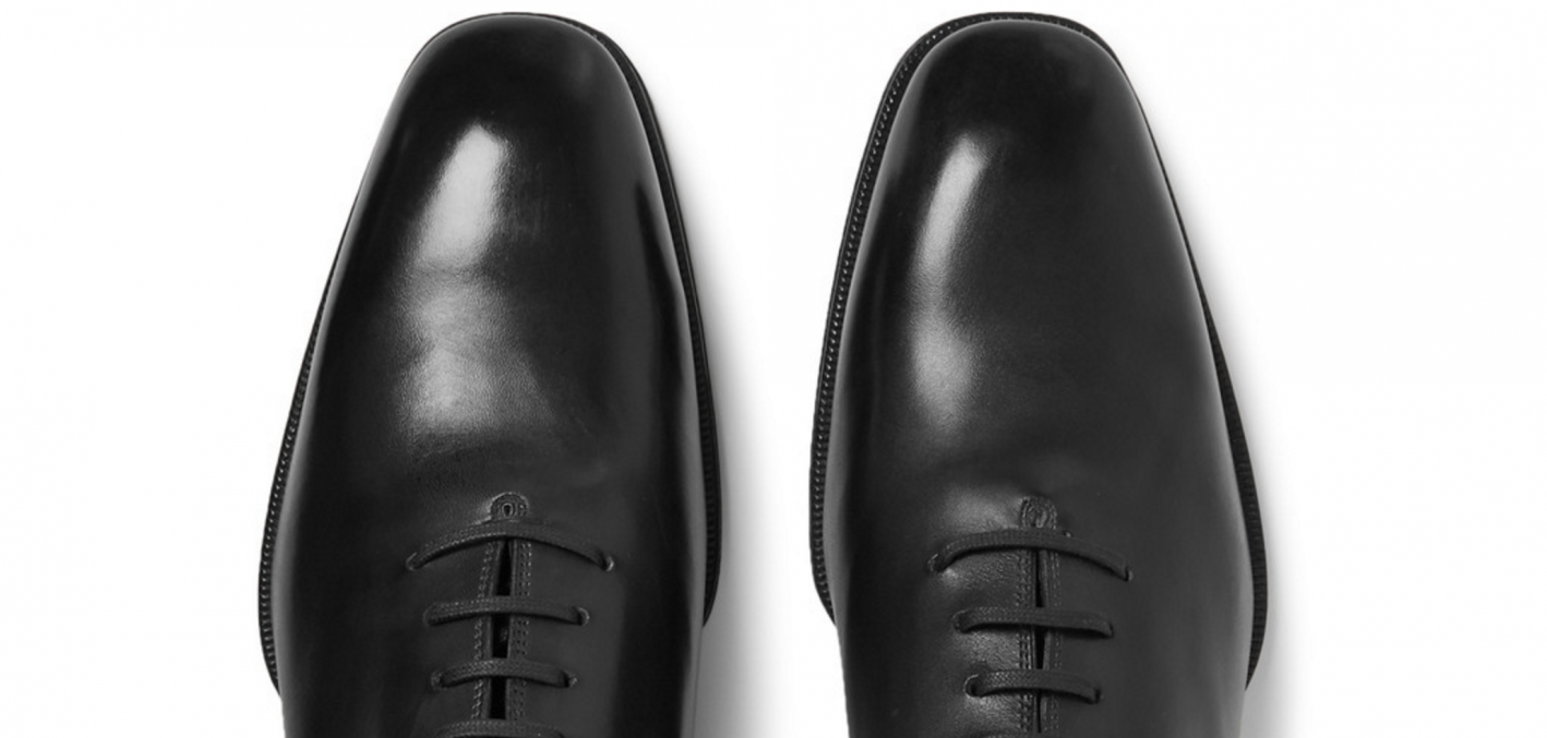 tips for men to look instantly more attractive, shined shoes, polished shoes