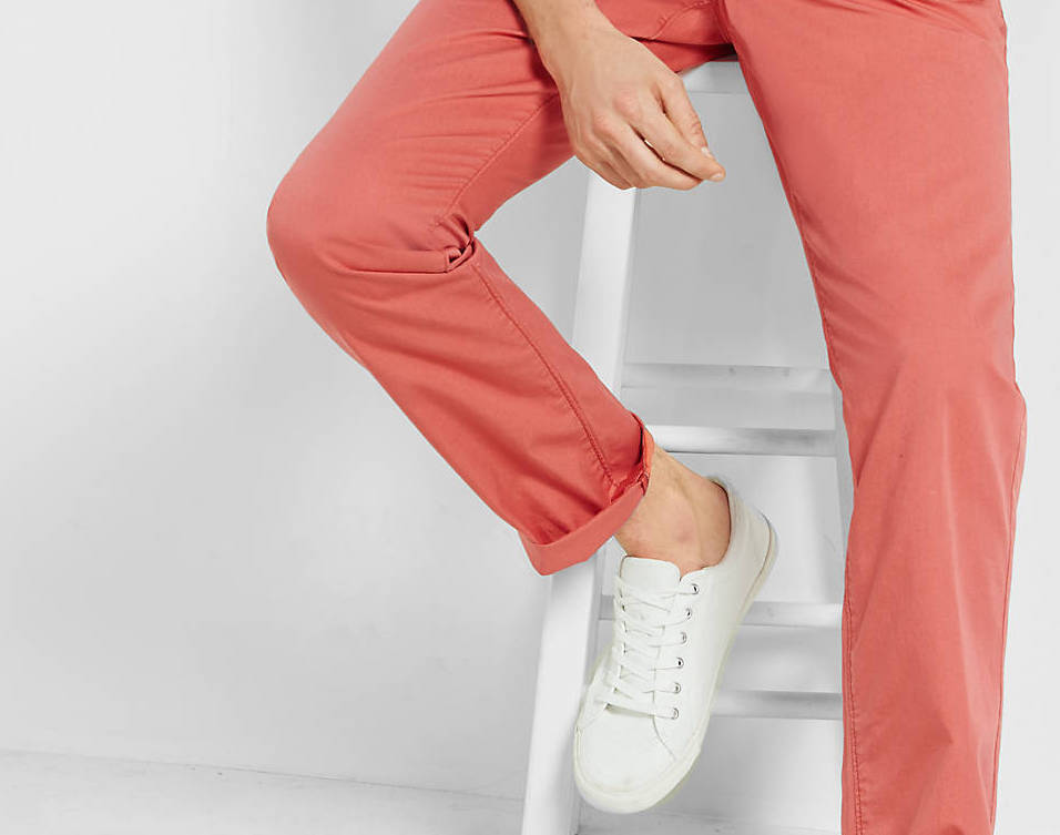 d43a98d4783 How to Wear Salmon  The Guy s Color Guide