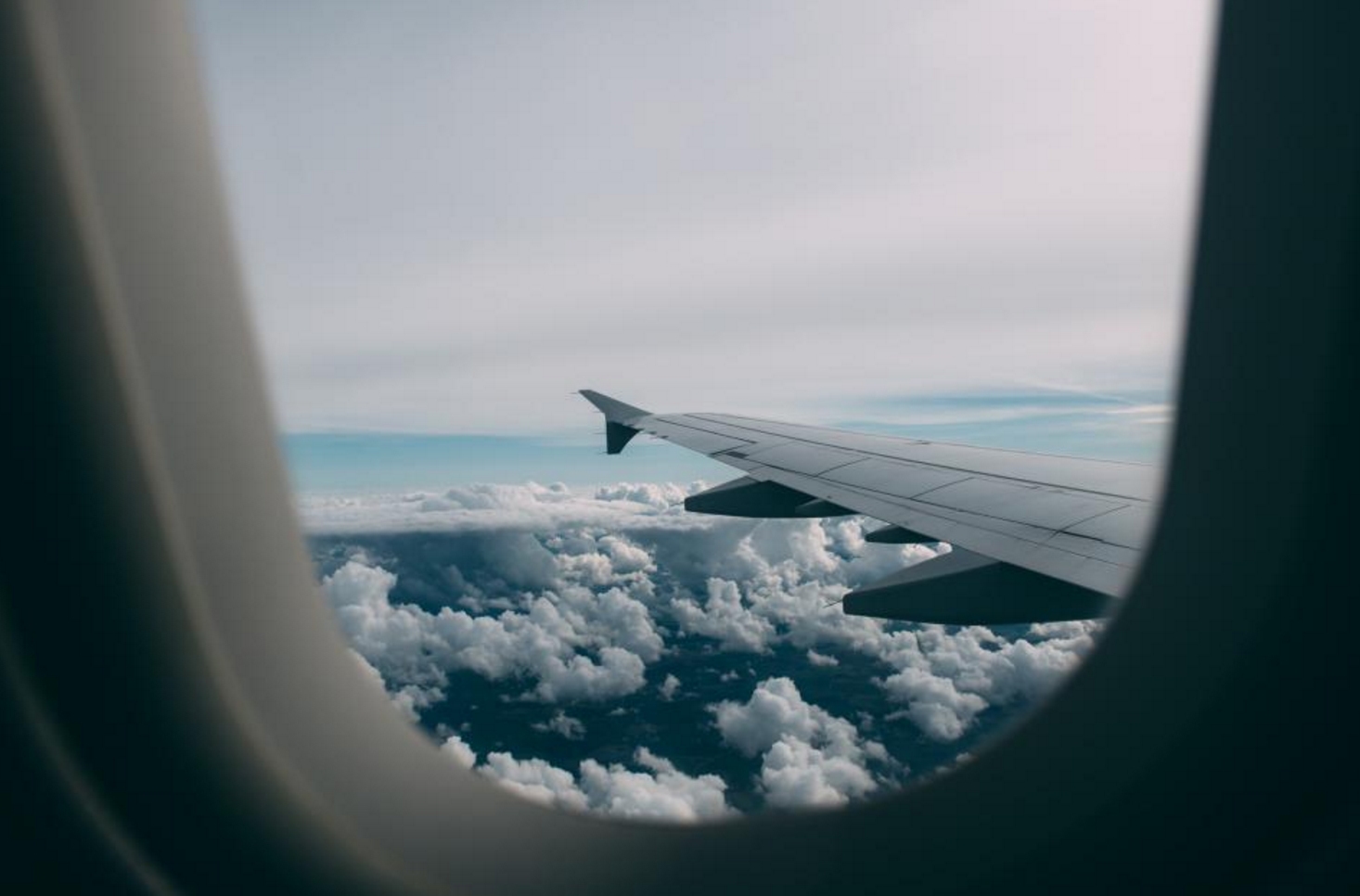 tips to travel better, travel tips, easier travel, travel hacks, airport style, celeb airport style, men's style, men's airport style, best luggage, best suitcase, travel like a local, eat like a local