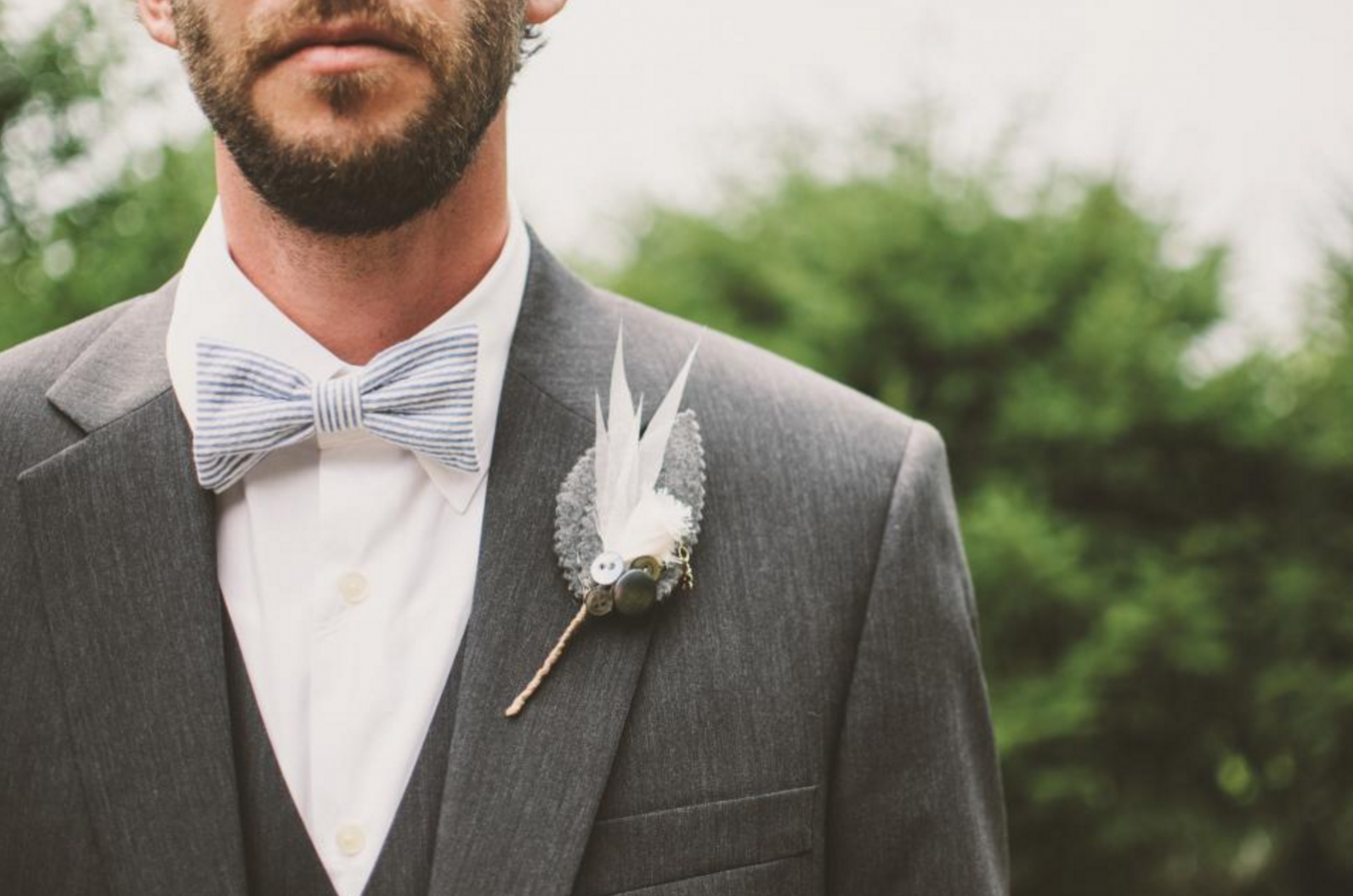 how to match your wedding date, wedding suit, wedding accessories, bow tie, tie, pocket square, lapel flower, summer suit, matching your date, should we match, outfit coordinating, men's summer style