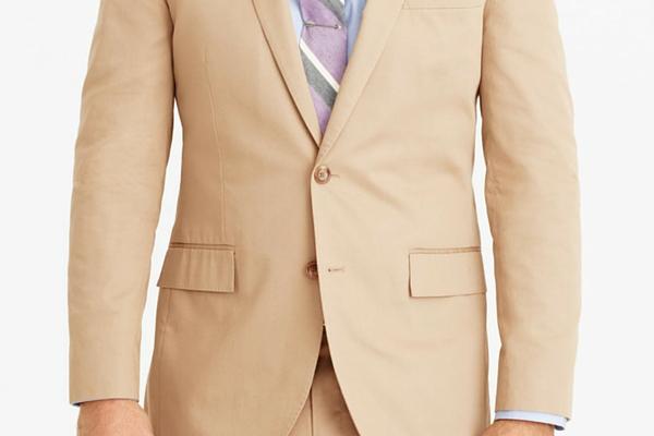 how to wear khaki, khaki suit, khaki pants, summer office wardrobe, summer office style, blue dress shirt