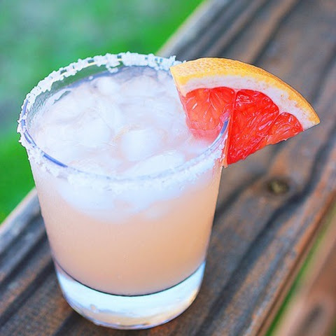 drink, cocktail, vodka, vodka soda, whiskey, whiskey lime, whiskey club soda, club soda, grapefruit, happy hour, drink recipes, drink picks, fruity drinks, sweet cocktails