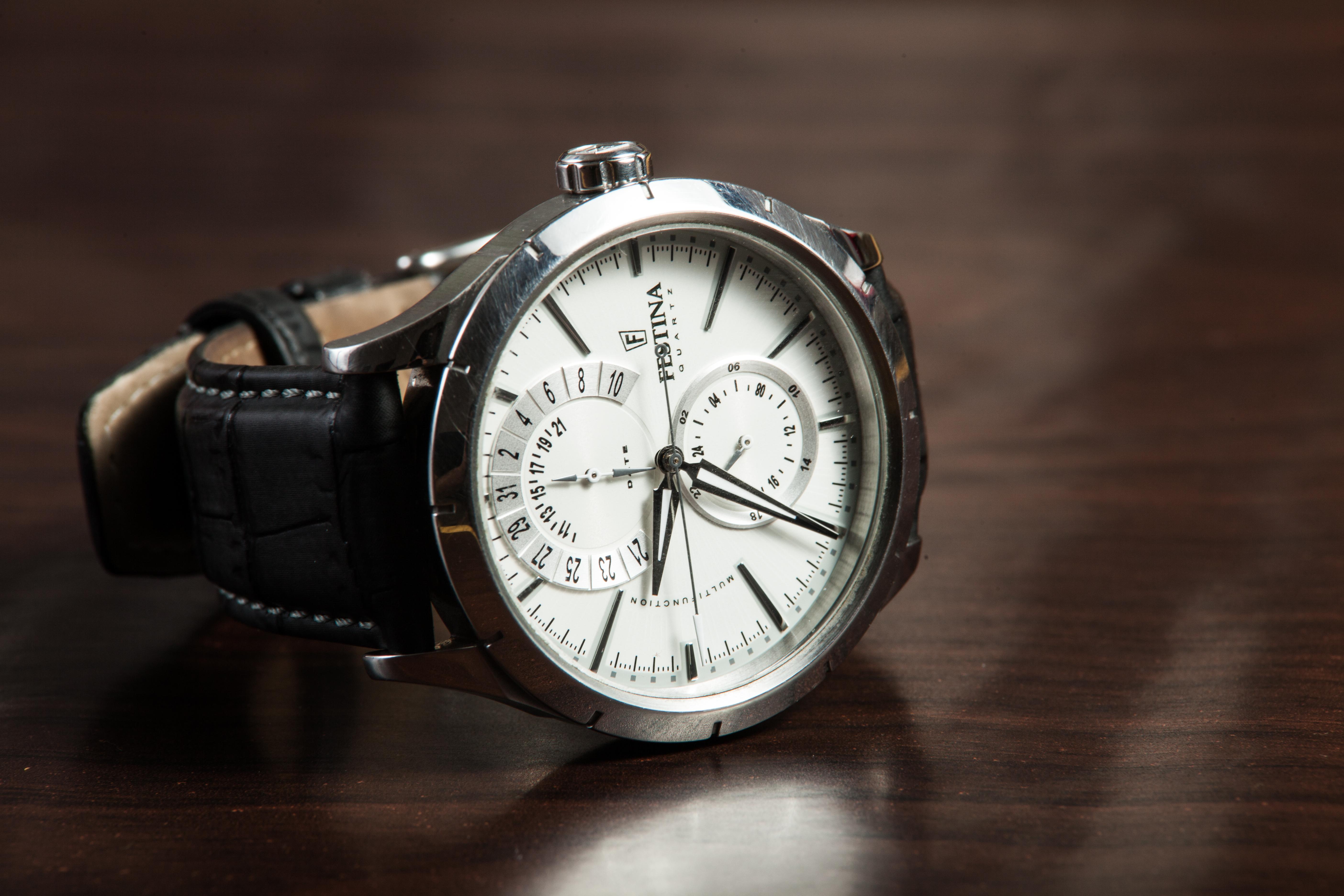automatic watch, watch, wristwatch, men's style, men's fashion, menswear, men's wardrobe essentials, wardrobe essentials