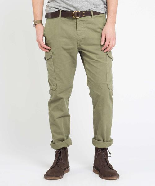 how to wear cargo pants