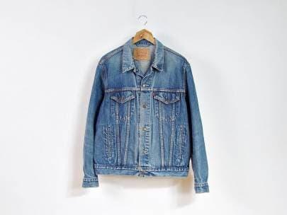 5 Days, 5 Ways: Light Wash Denim Jacket