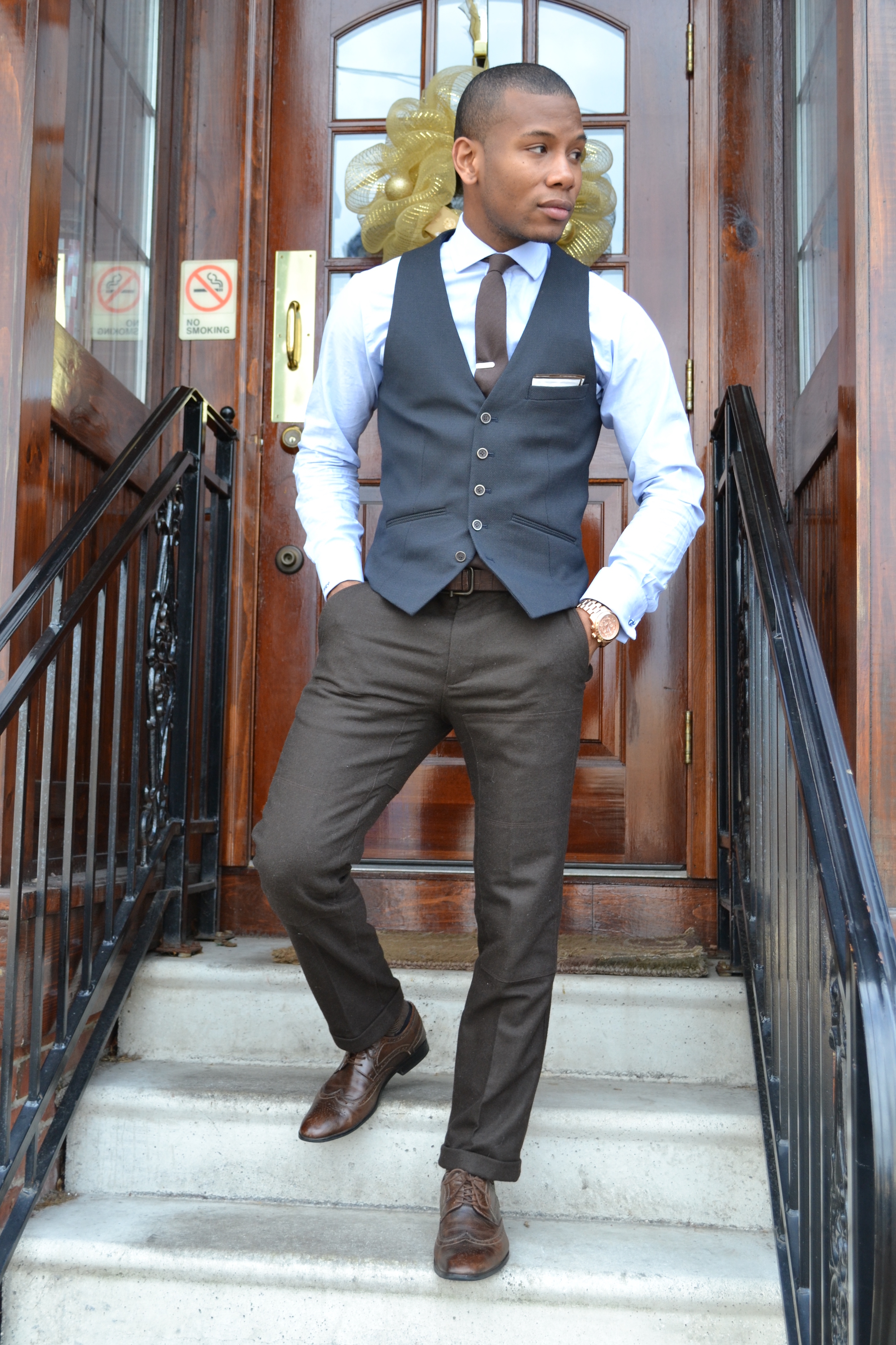 how to wear men's dress pants in a dressy outfit