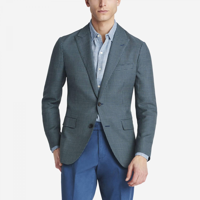 ways to wear an unstructured blazer