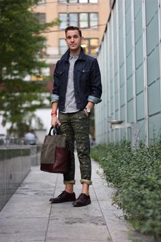 how to wear camo print pants