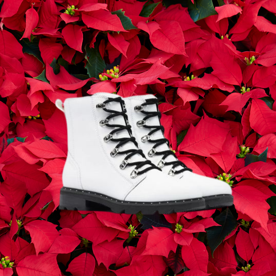 white sorel boots with black laces