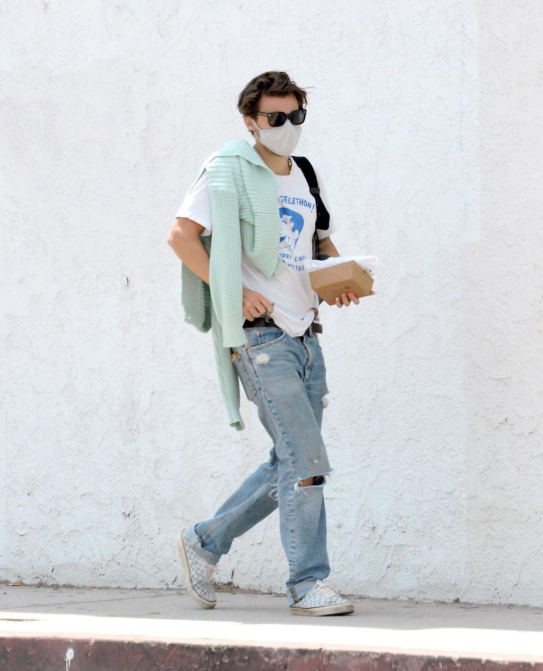 Harry Styles baggy jeans