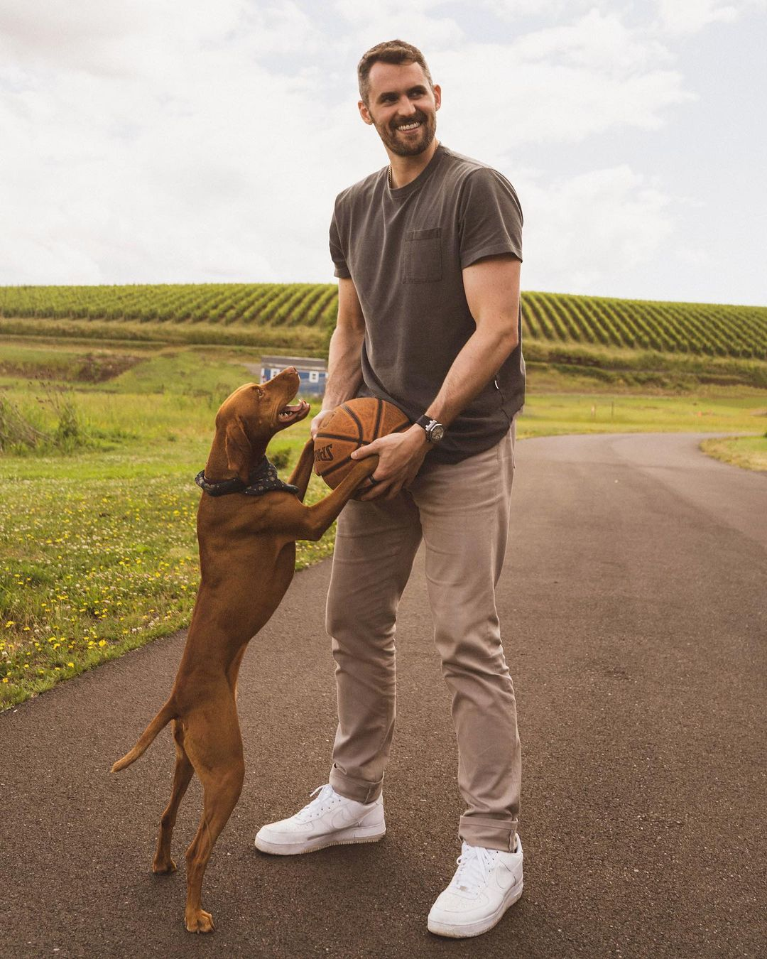 Kevin Love men's fall outfits